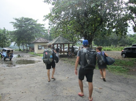 IMG_2891_Road_Carry_Lombok