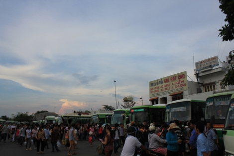 A very busy Cu Chi bus terminal