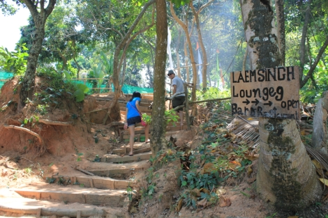 BTW, there are a LOT of stairs to get to/from Laemsingh beach