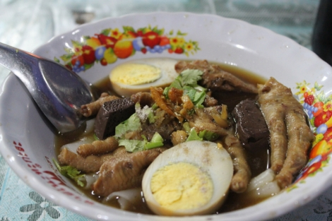 Chicken feet and pork blood soup