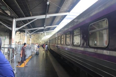 Platform interior at Hua Lamphong station