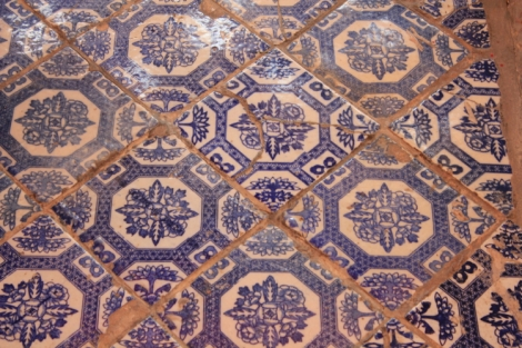 I started noticing floors, and that means many pics of floor coverings